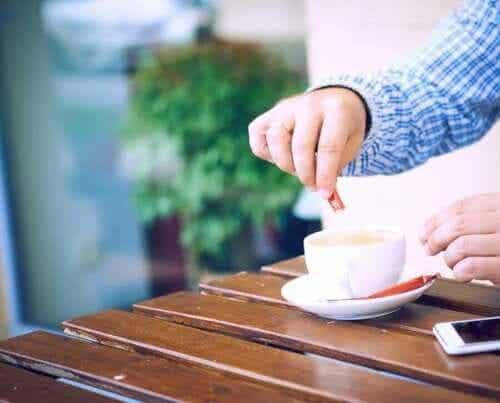 설탕 섭취를 제한하기 위한 인공감미료 6가지