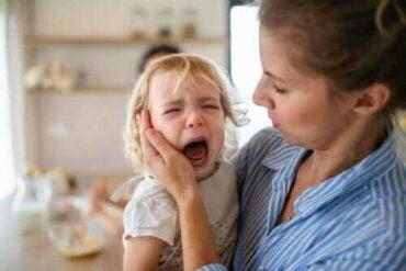 어린이의 울화 행동을 예방하고 관리하는 팁