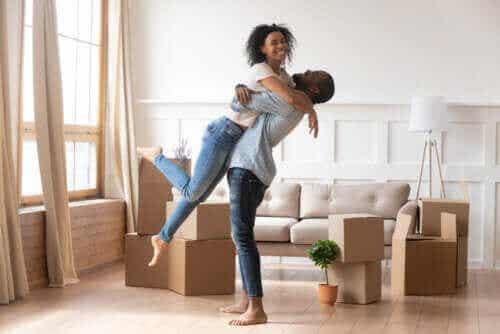 배우자와 다시 사랑에 빠지기 위한 8가지 방법