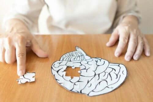 정신 분석은 정확히 무엇이며 어떻게 작동할까