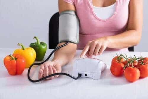 혈압 문제가 있는 경우 피해야 할 6가지 식품