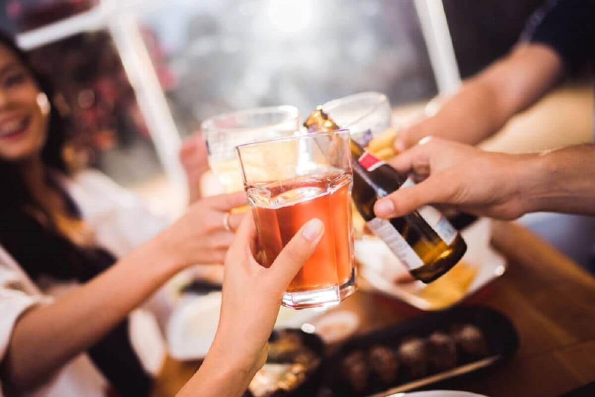공복에 술을 마시면 어떤 일이 일어날까?