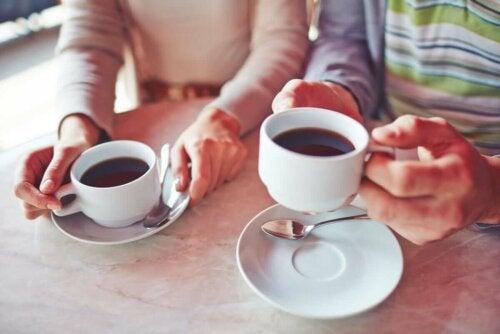 커피와 레몬 임신부