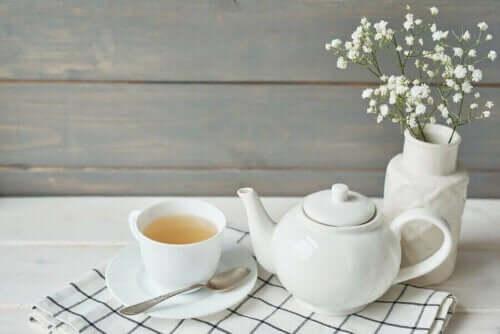 후추와 꿀차로 기침을 물리치는 방법