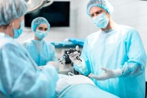 후두절제술의 목적과 결과