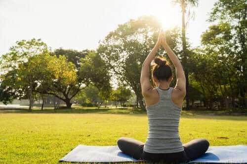더 나은 휴식을 위한 요가 동작 6가지