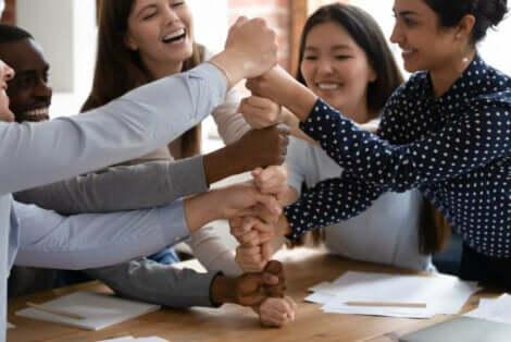 아동 청소년과 성인을 위한 신뢰 구축 훈련 5가지