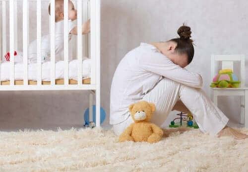 산후 우울증을 인식하고 치료하는 방법