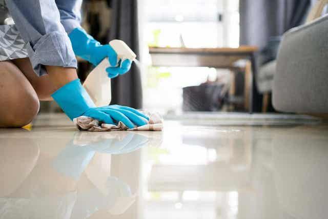 10. 바닥을 청소하자
