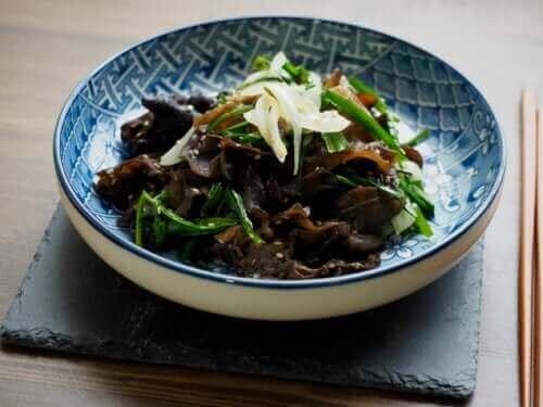 목이버섯의 특성과 섭취 방법