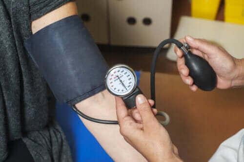 고혈압이 신체에 미치는 영향