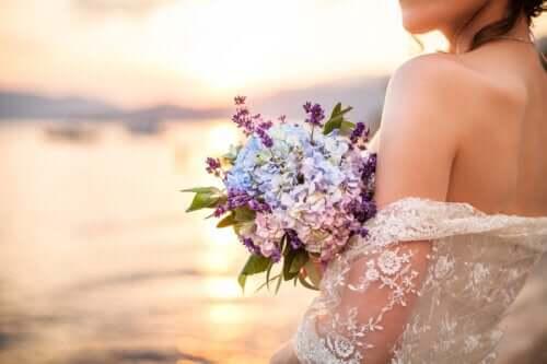 솔로가미: 자기 자신과 결혼하는 트렌드