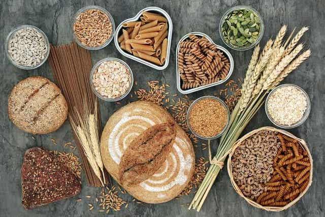 어떤 음식이 식단의 질에 긍정적인 기여를 할까?