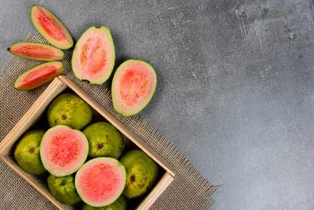 탄수화물 함량이 가장 낮은 과일은 무엇일까